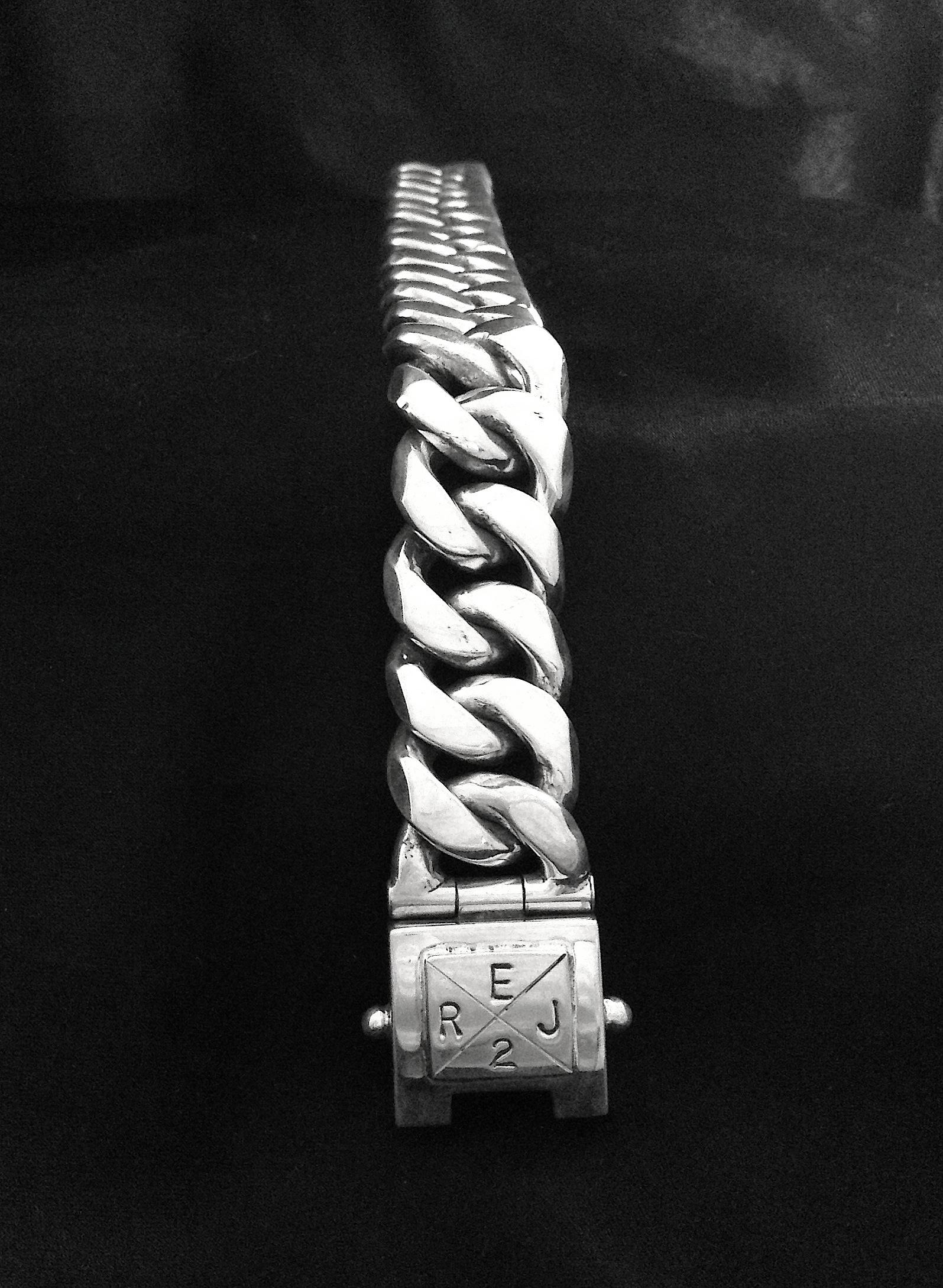 Curb link